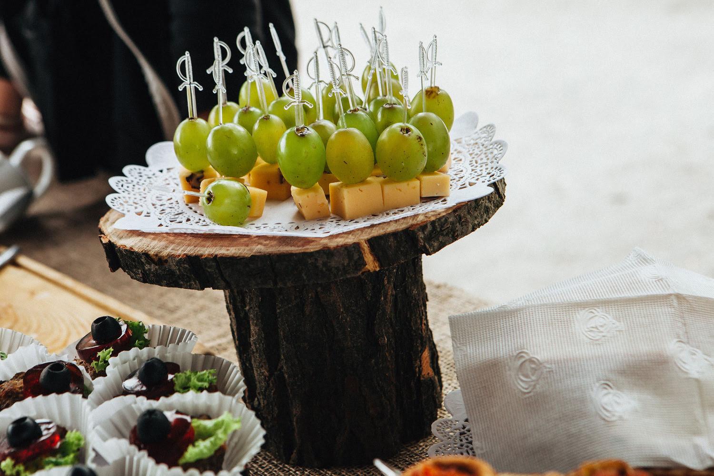 zakyska-syr-vinograd-na-shpazhke